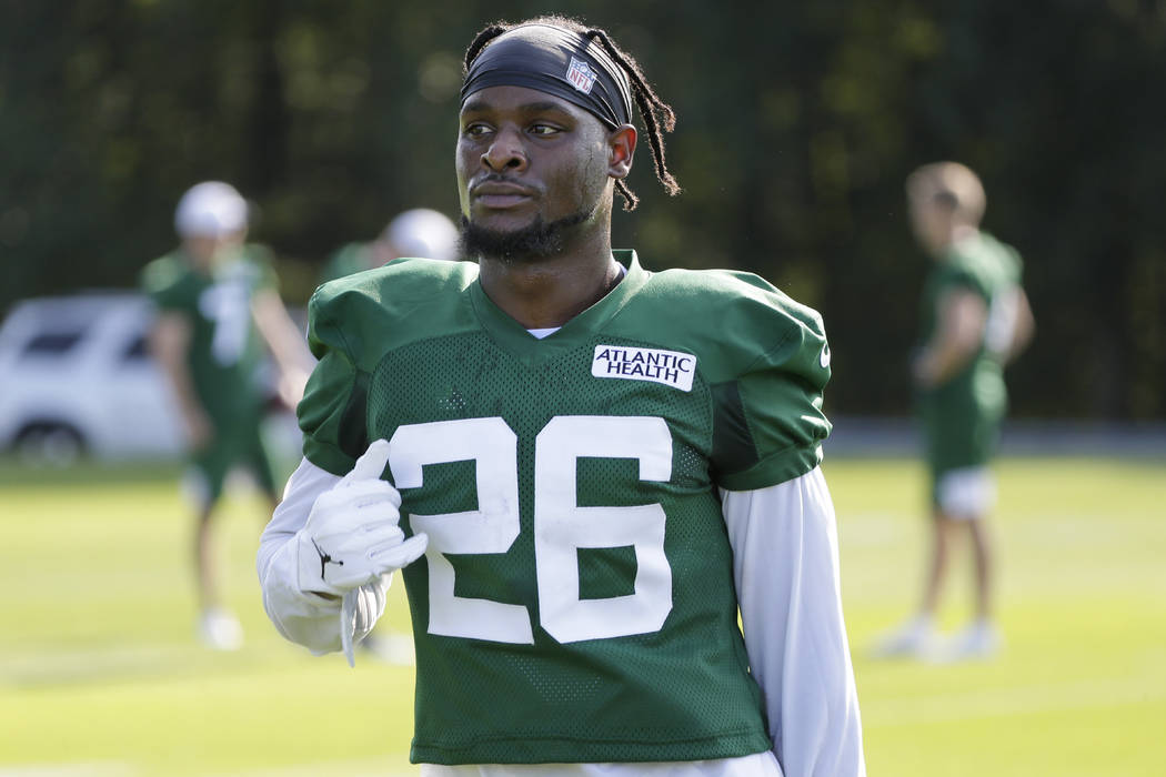 New York Jets running back Le'Veon Bell participates in a practice at the NFL football team's t ...
