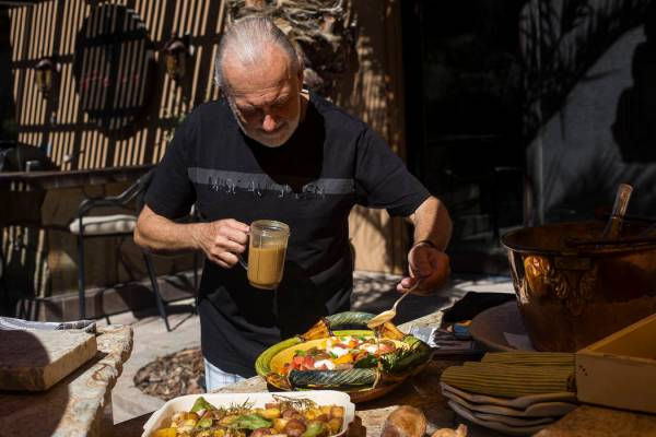 4 Las Vegas chefs show us their outdoor kitchens — VIDEO