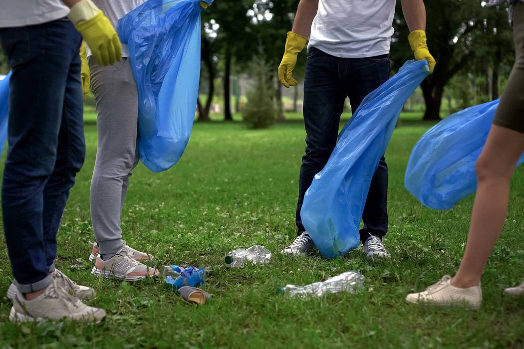 Litter cleanup (Getty Images)