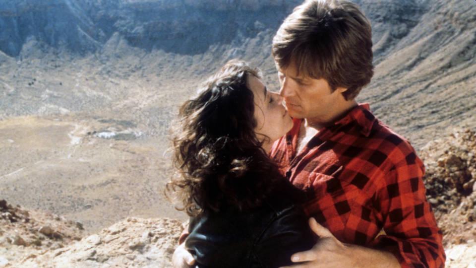 """Karen Allen and Jeff Bridges in """"Starman."""" (Columbia Pictures)"""