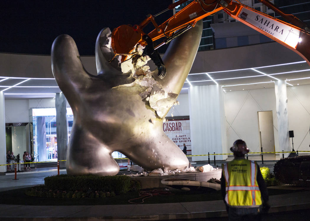 SLS/Sahara Las Vegas says goodbye to 'Sam by Starck' statue