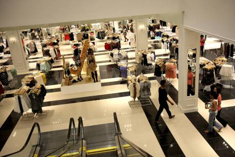 Forever 21 in Fashion Show mall in Las Vegas takes up 126,000 square feet of retail space. (Las ...