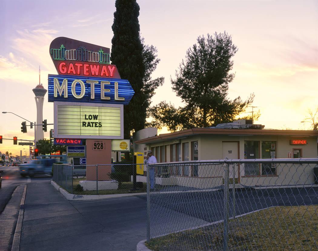 Gateway Motel (Fred Sigman)