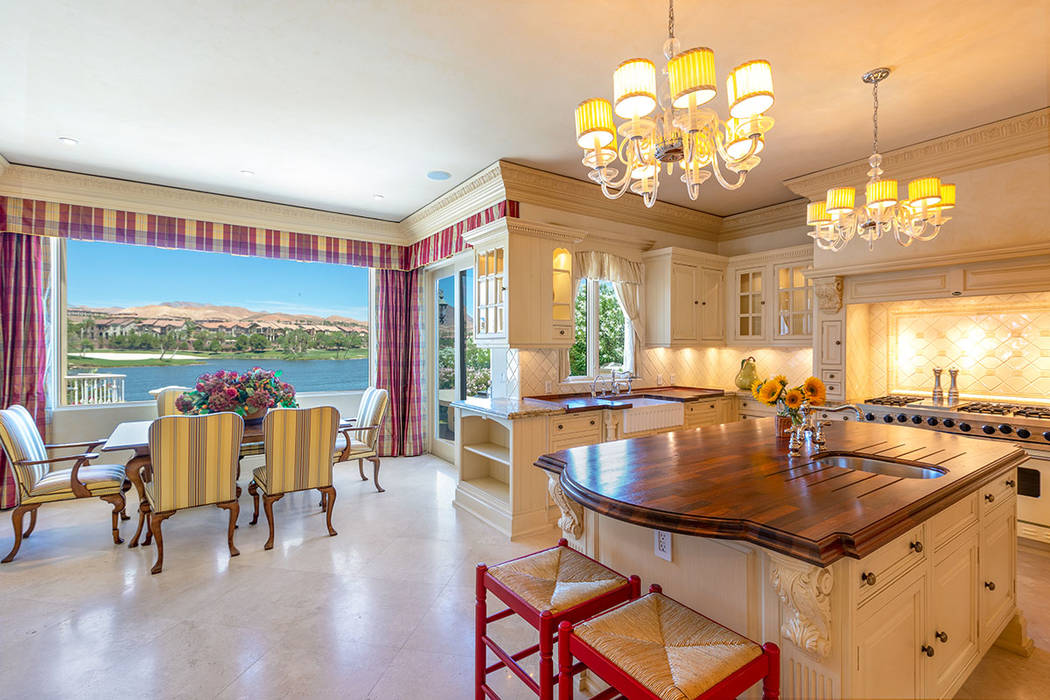 The breakfast nook off the kitchen has lake views. (Ivan Sher Group)
