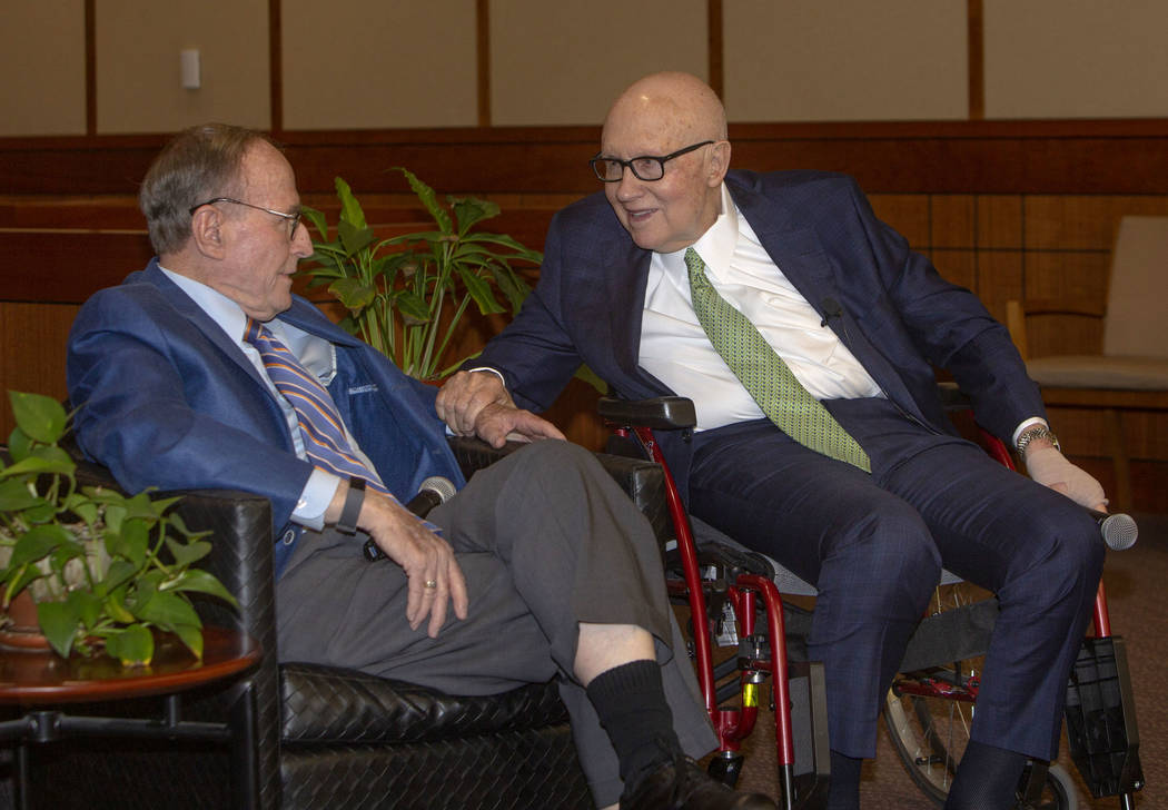 Former Nevada Gov. and U.S. Sen. Richard Bryan, left, talks with former U.S. Sen. Harry Reid du ...
