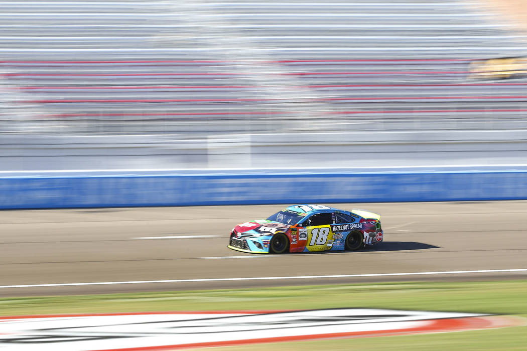 Kyle Busch (18) drives during qualifying for the Monster Energy NASCAR Cup Series South Point 4 ...