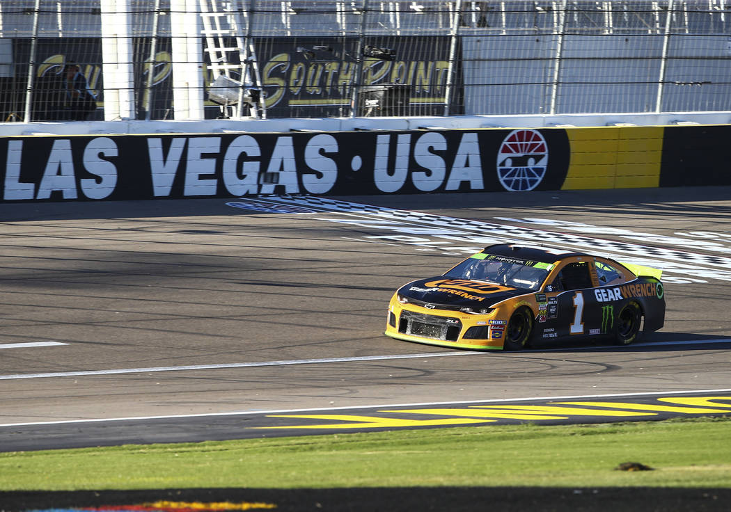 Kurt Busch (1) drives during qualifying for the Monster Energy NASCAR Cup Series South Point 40 ...
