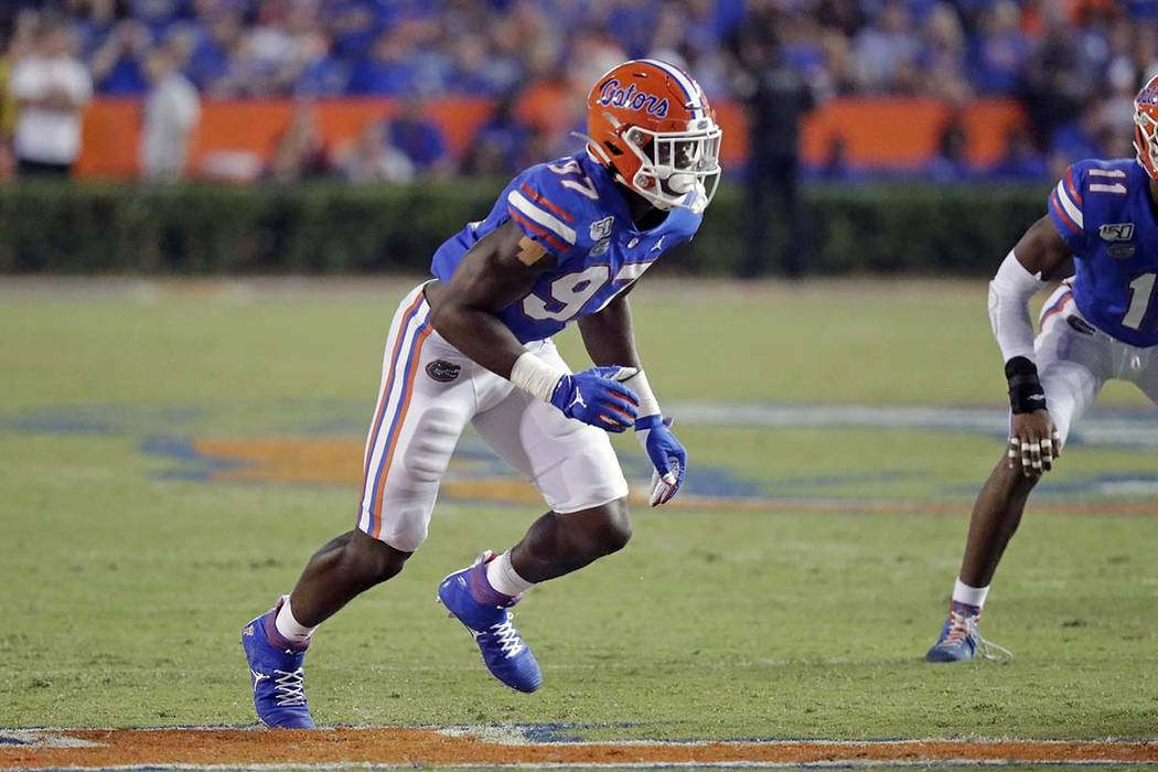 Florida linebacker Khris Bogle moves to the ball on a play during the second half of an NCAA co ...