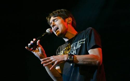 Yellow Brick Road frontman Brody Dolyniuk once shared the stage in Las Vegas with Eddie Money.