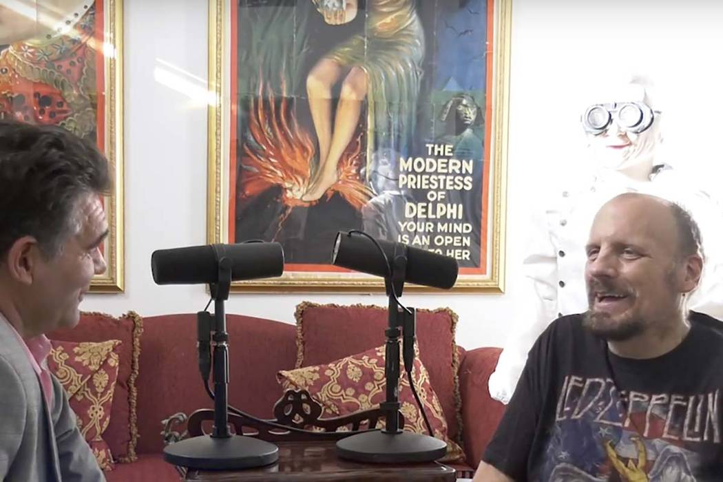 Las Vegas Review-Journal columnist John Katsilometes, left, and The Amazing Johnathan talk duri ...