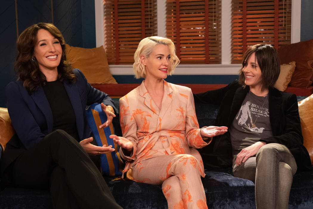 (L-R): Jennifer Beals as Bette Porter, Leisha Hailey as Alice Pieszeckie and Katherine Moennig ...