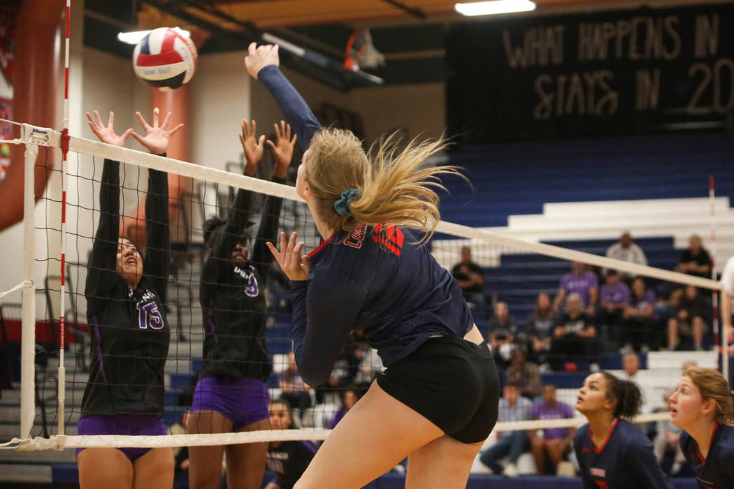 Coronado vs. Durango girls volleyball. Thursday, Nov. 1, 2018. Caroline Brehman/Las Vegas Revie ...