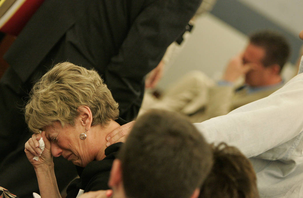 Linda Edwards cries during the sentencing hearing of Las Vegas chiropractor Stephen Shaw at the ...