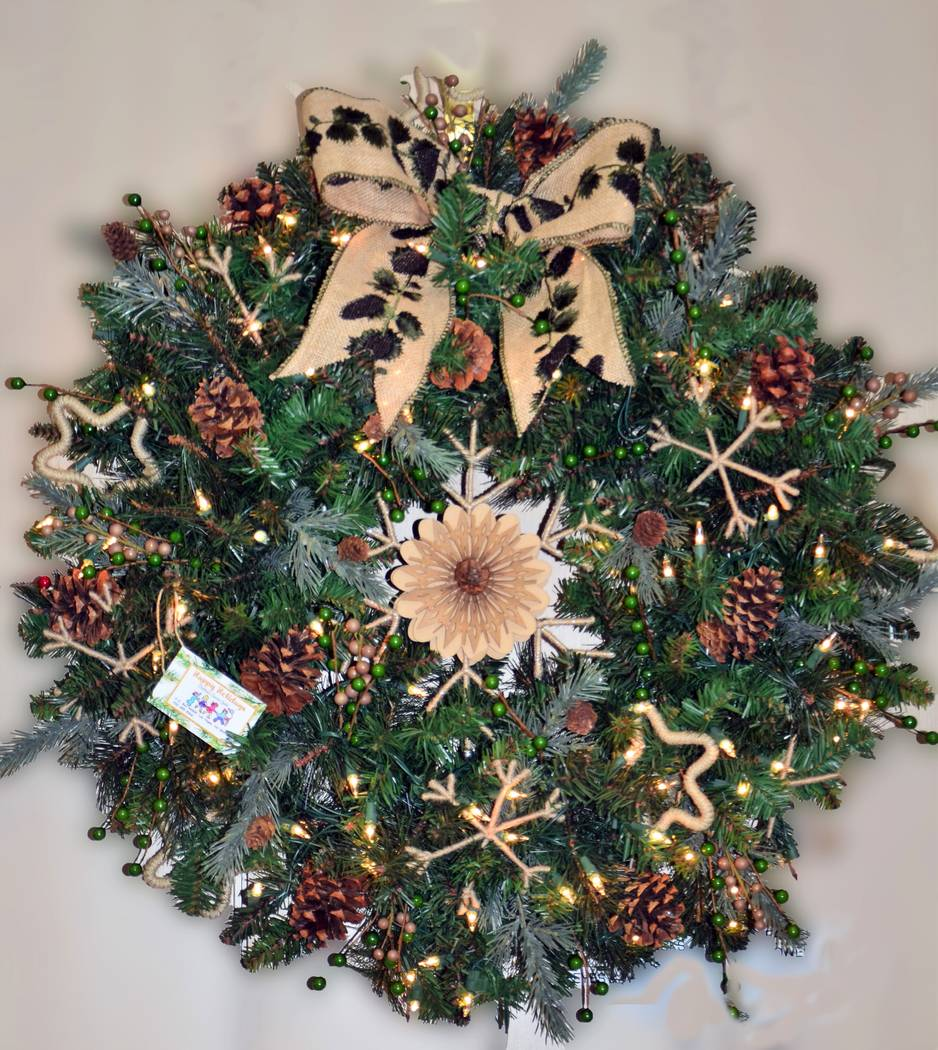 Christmas Wreath (Elise Rigatuso)