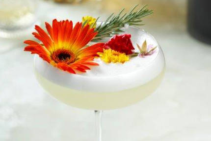 Dama Blanca cocktail (Park MGM)