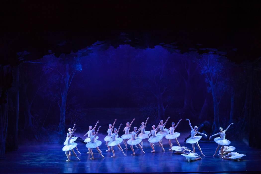 "Nevada Ballet Theatre's ""Swan Lake"" 2017. (Alicia Lee Photography)"