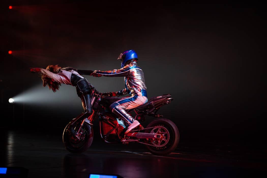 "Cirque du Soleil's ""R.U.N"" (Matt Beard)"