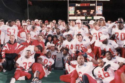 UNLV celebrates its 52-24 victory over Central Michigan in the 1994 Las Vegas Bowl. Photo court ...