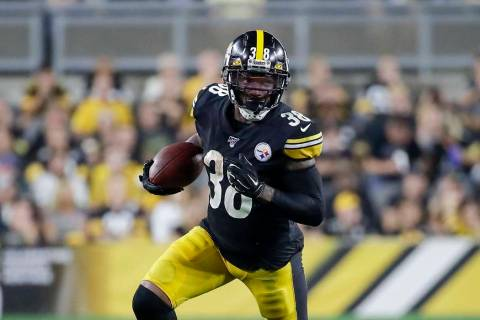 Pittsburgh Steelers running back Jaylen Samuels (38) carries the ball during the first half of ...
