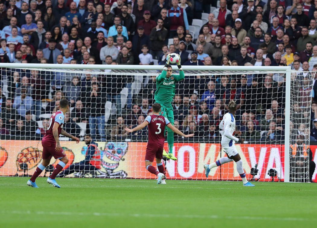 West Ham United goalkeeper Roberto (13) makes a save during the first half of an English Premie ...