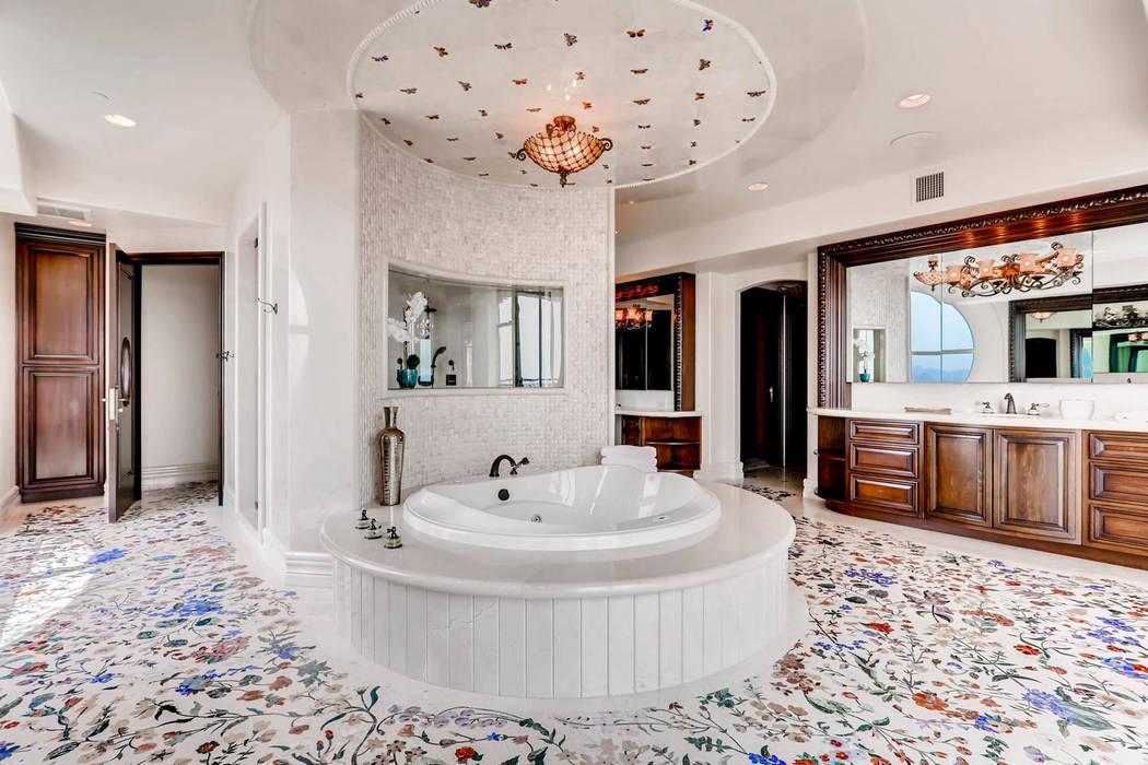 The master bath. (Char Luxury Real Estate)