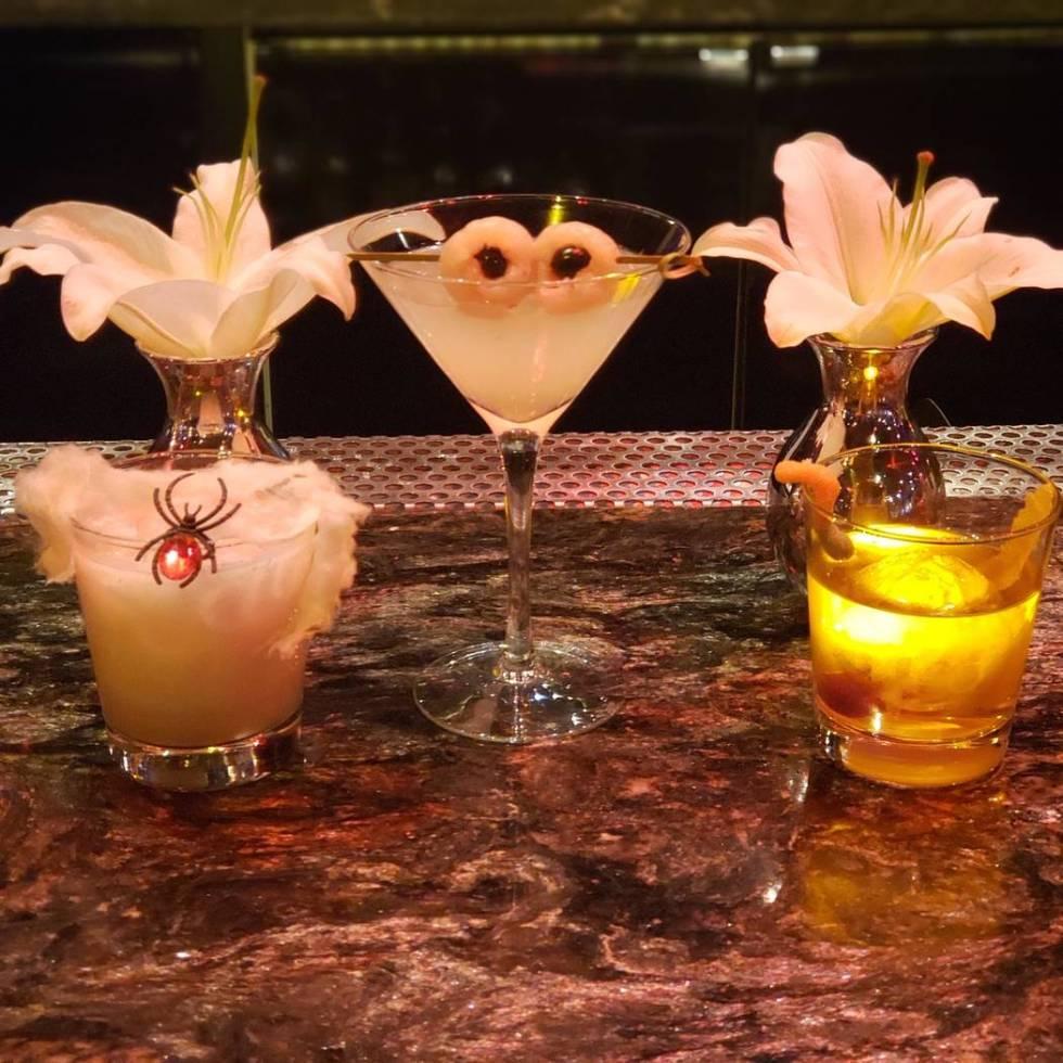 Lily Bar & Lounge