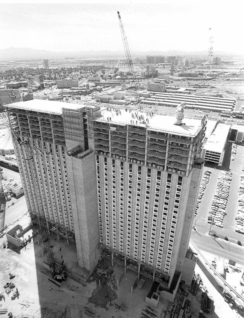The topping of the Circus Circus building as seen on Sept. 25, 1985 in Las Vegas. (Las Vegas Re ...