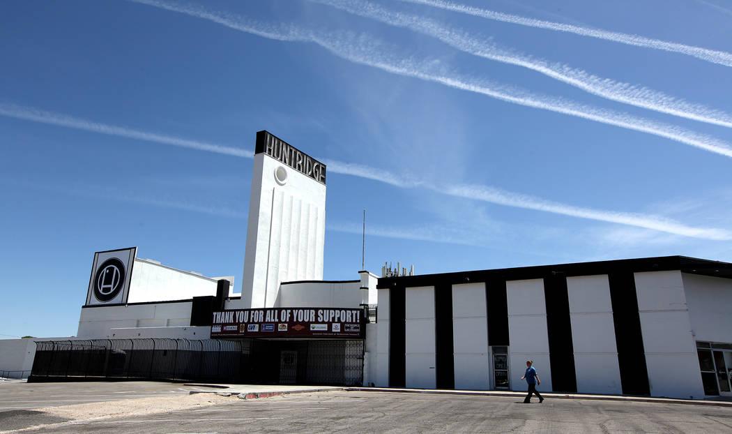 The Huntridge Theater in Las Vegas (Justin Yurkanin/Las Vegas Review-Journal)