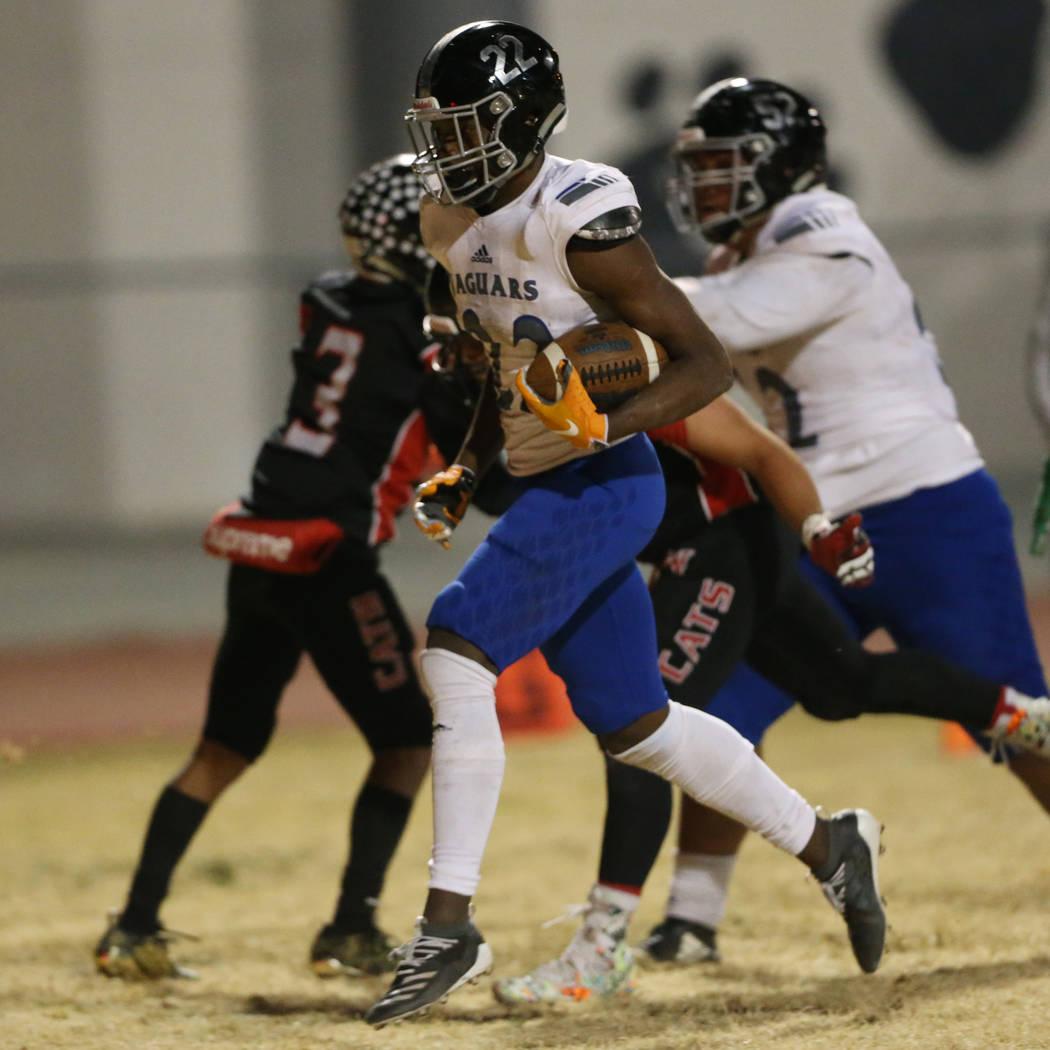Desert Pines Javontae Barnes (22) runs for a touchdown against Desert Pines during the second q ...