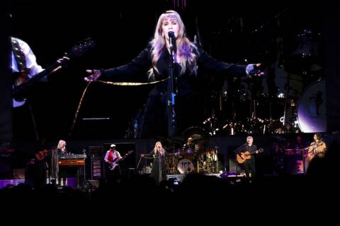 Mick Fleetwood, John McVie, Christine McVie, Stevie Nicks, Mike Campbell and Neil Finn with Fle ...