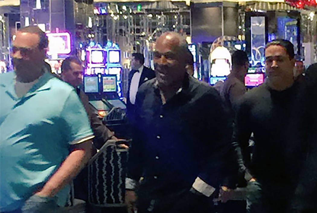 O.J. Simpson, seen at The Cosmopolitan in 2017 (screengrab from Brian Munz on Twitter)
