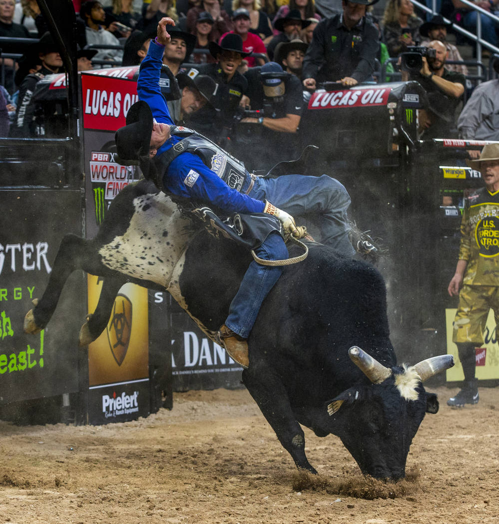 Junio Quaresima leans way back on High Razor during the third day of the PBR World Finals at T- ...