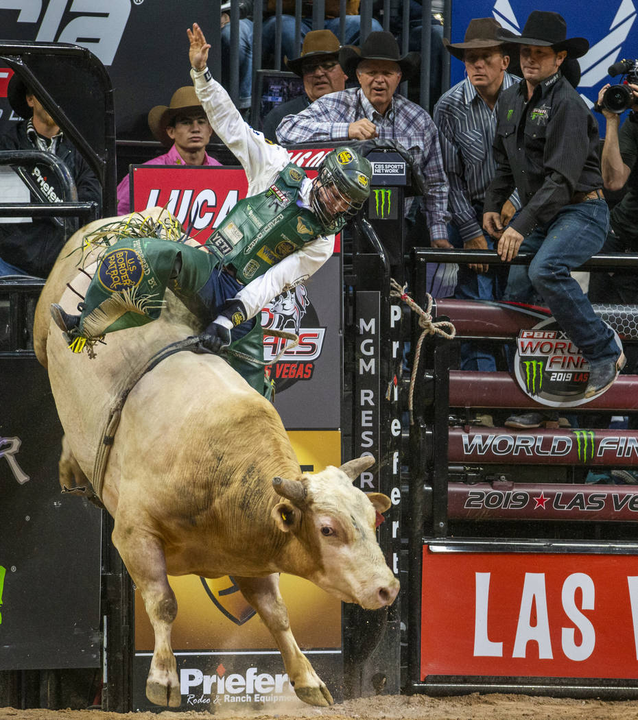 Jess Lockwood stays focused atop of The Right Stuff during the fourth day of the PBR World Fina ...