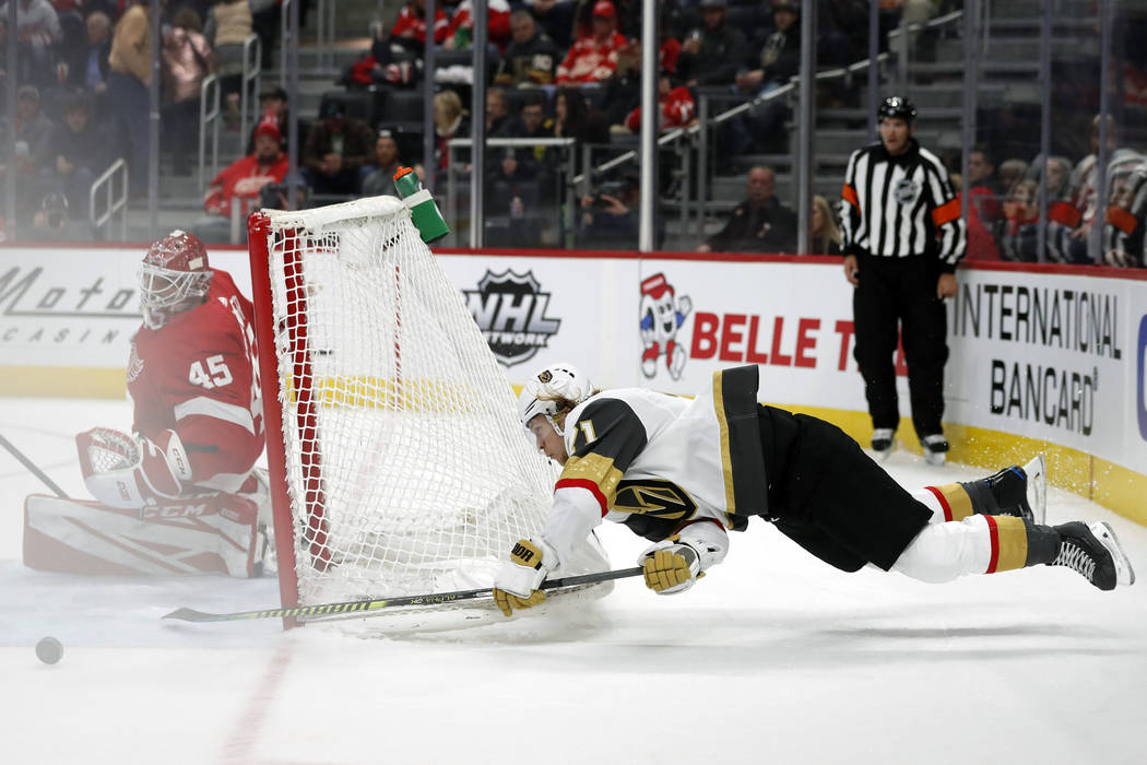 Vegas Golden Knights center William Karlsson (71) attempts a shot against Detroit Red Wings goa ...
