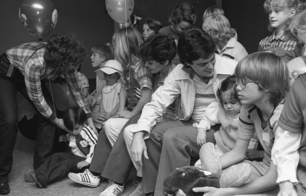 Donny and Marie Osmond visit children at Sunrise Hospital in Las Vegas during a 1980 visit on b ...