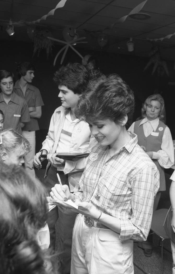 Donny and Marie Osmond sign autographs during a 1980 visit to Sunrise Hospital in Las Vegas. (L ...