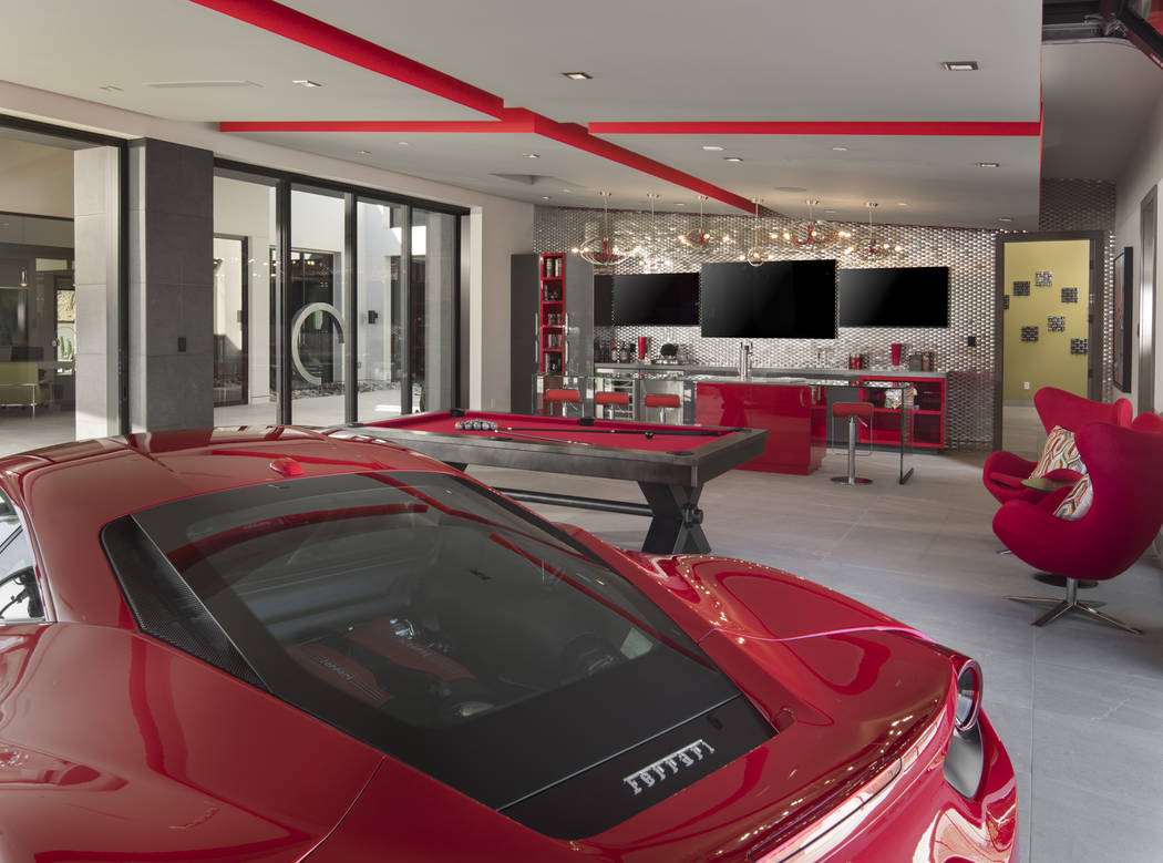 Garages play big role in luxury homes | Las Vegas Review-Journal
