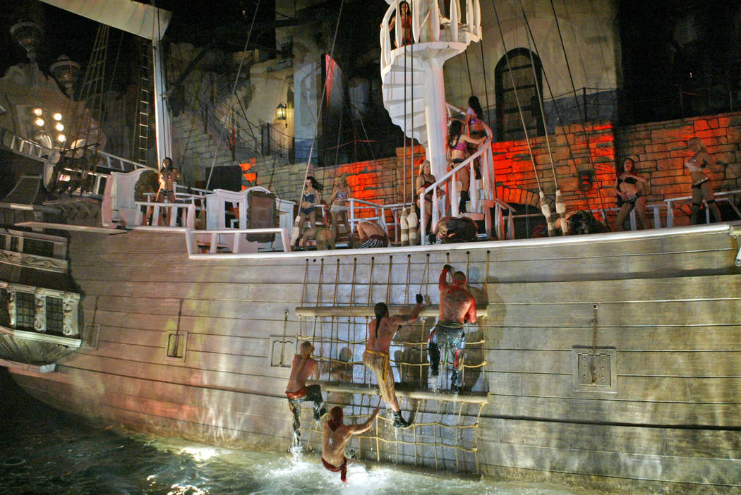 """Pirates board the siren's ship during a performance of """"Sirens of TI"""" April 6, 2007. (Las Vegas ..."""