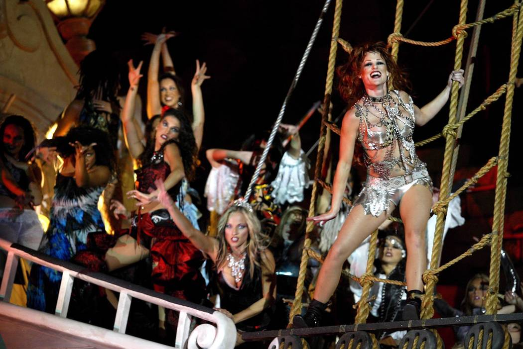 """Sirens taunt pirates during """"Sirens of TI."""" (Las Vegas Review-Journal file photo)"""