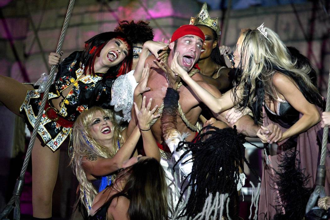 """Sirens capture a pirate during """"Sirens of TI."""" (Las Vegas Review-Journal file photo)"""