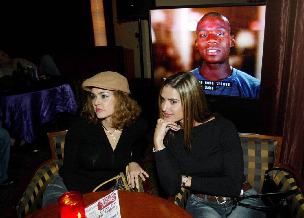 """Corina Harney-Jones and her sister, Dorinda Harney, watch MTV's """"The Real World"""" at the Palms o ..."""