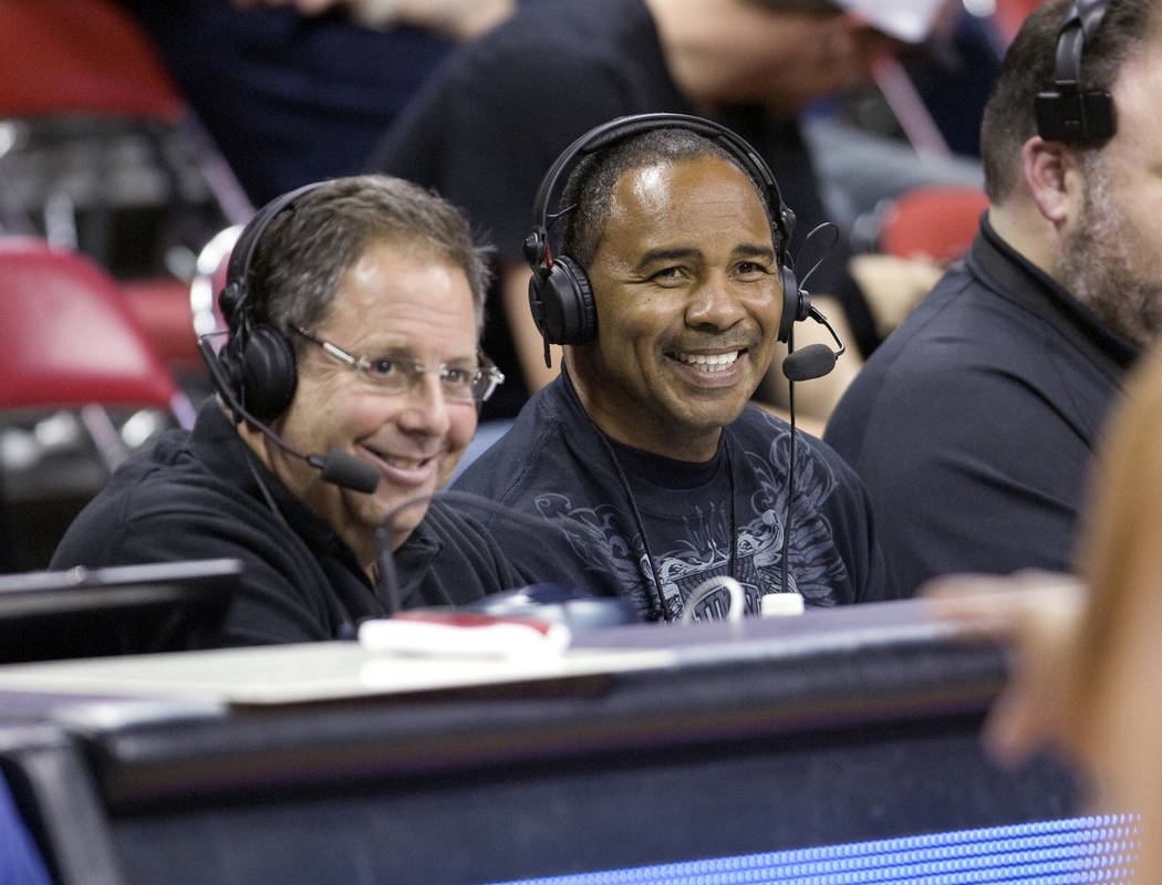 K.M. CANNON/LAS VEGAS REVIEW-JOURNAL Former UNLV point guard Robert Smith, right, joins play-b ...