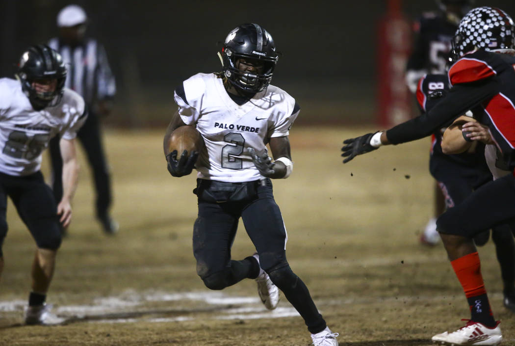 Palo Verde's Charron Thomas (2) runs the ball against Las Vegas during the first half of a foot ...