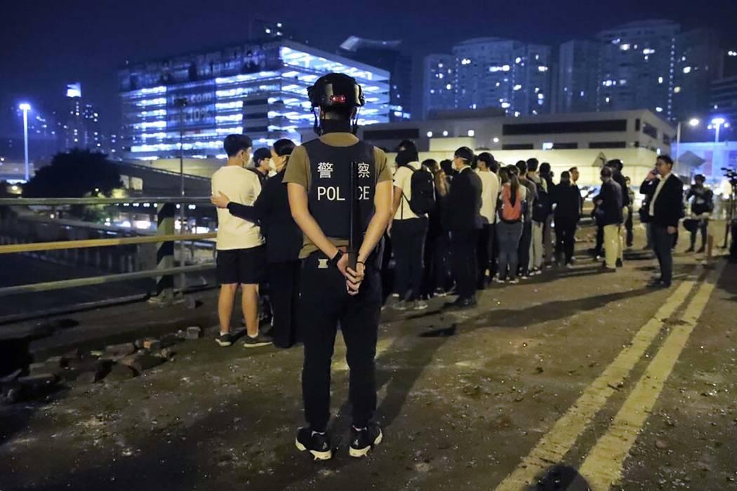 UN human rights office urges Hong Kong de-escalation