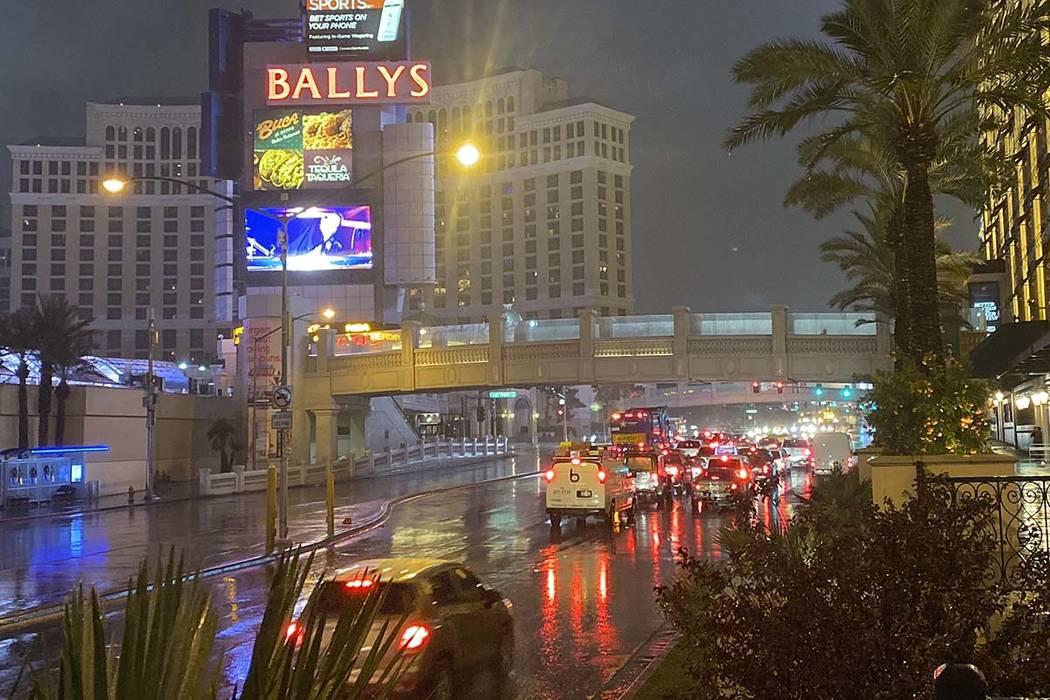 Rain on the Las Vegas Strip, Wednesday, Nov. 20, 2019. (Glenn Puit/Las Vegas Review-Journal)