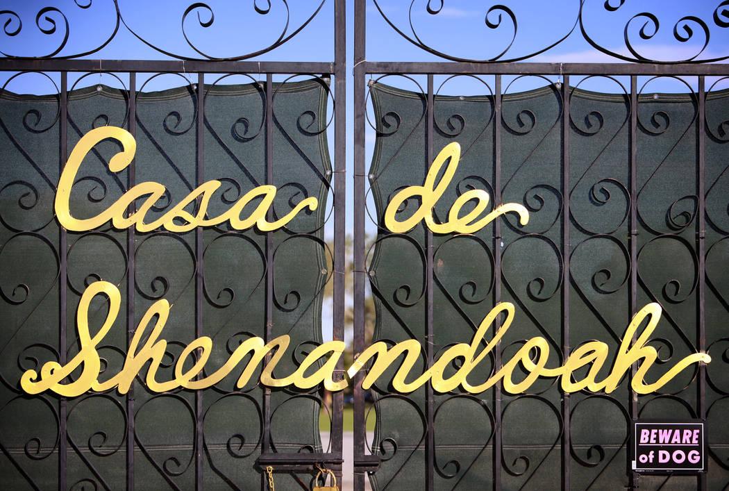 A gate to Casa de Shenandoah, the former Las Vegas estate of Wayne Newton, is seen on Oct. 7, 2 ...