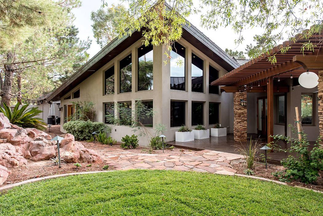 The home angles to the backyard. (Simply Vegas)