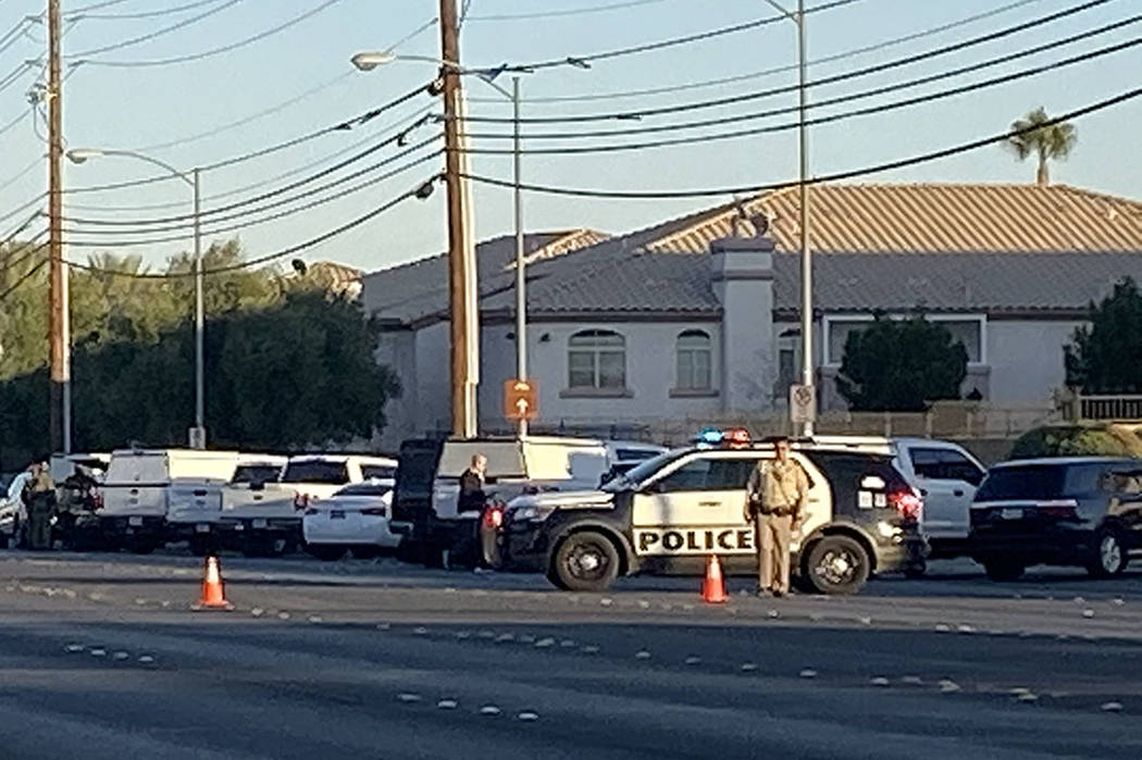 Las Vegas police respond to a barricade situation on East Sahara Avenue on Saturday, Nov. 23, 2 ...
