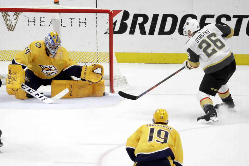 Vegas Golden Knights center Paul Stastny (26) scores the winning goal against Nashville Predato ...