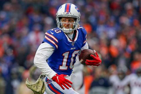 Buffalo Bills wide receiver Cole Beasley (10) runs the ball on his way to a touchdown against t ...
